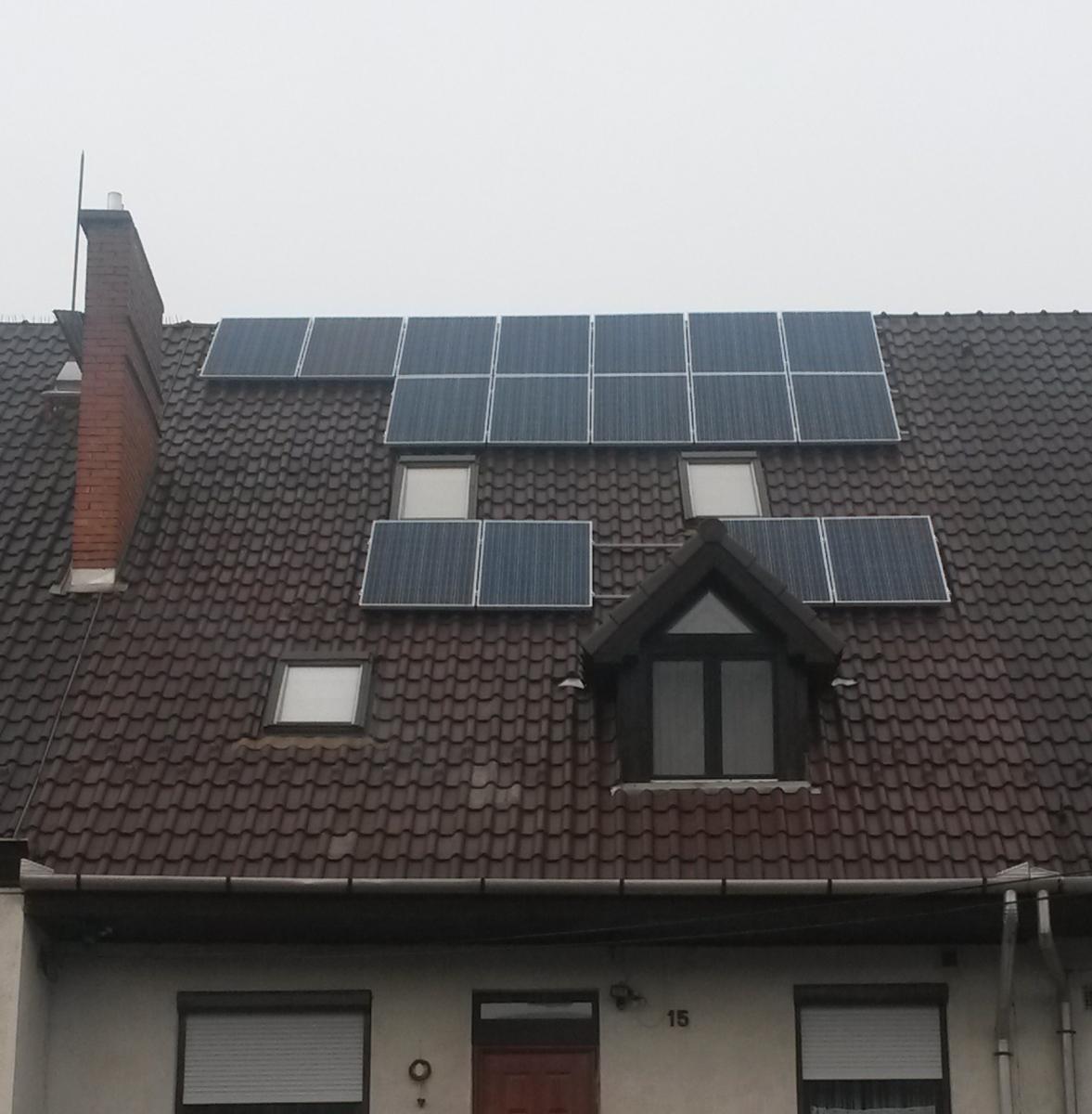 4,16 kW. Bauer panel és Fronius inverter.