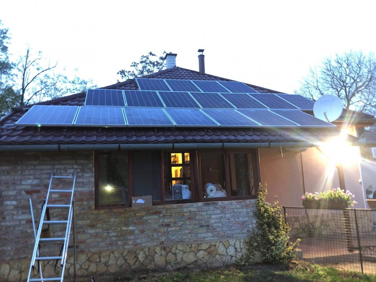20 db Bauer panel, Solaredge inverterrel, és panelenkénti teljesítmény optimalizálással.