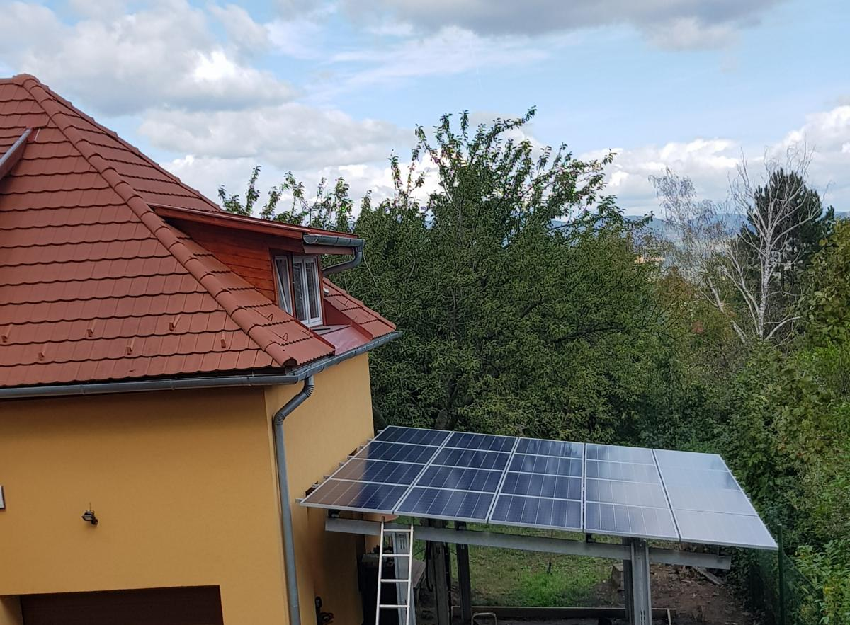 20 db 270W-os Bauer panel, Solaredge inverter, panelenkénti optimalizálással.