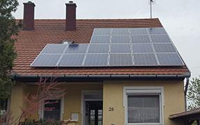20 db Bauer panel, 1 db Solaredge inverterrel és panelenkénti teljesítmény optimalizálással.